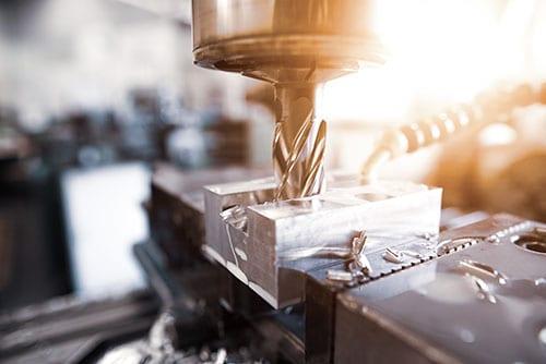 Metall Bearbeitung mit Fräse, Bauteile